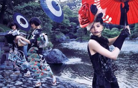 ファッション誌「VOGUE JAPAN」2012年11月号の着物の着付けと小物提供をいたしました。 ・PHOTOGRAPHED BY MARK SEGAL ・STYLED BY GIOVANNA BATTAGLIA